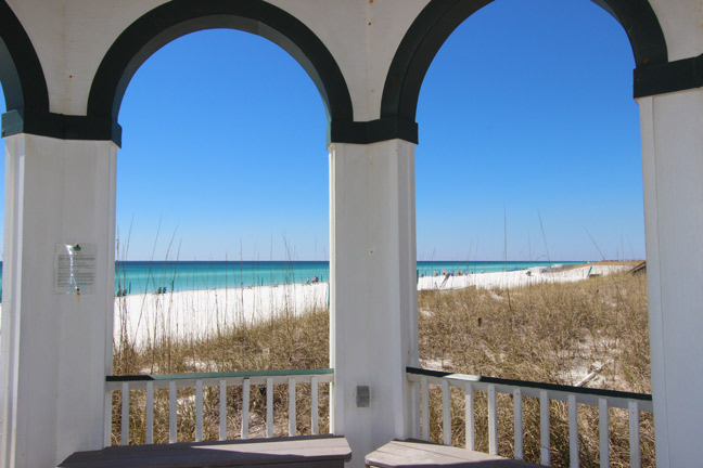 Dunes of Destin private beach. Set ups availalbe for rent.