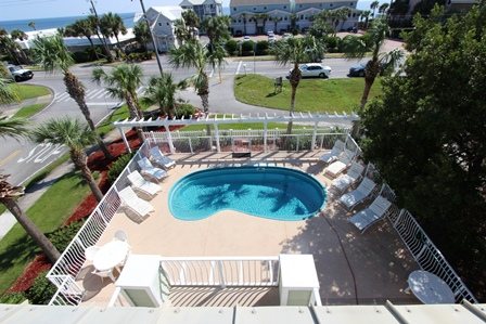 Enjoy your Private Pool & Quick Beach Access!